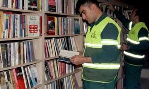 Lao công Thổ Nhĩ Kỳ mở thư viện từ sách bỏ đi