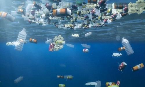 Mỹ thải số ống hút nhựa đủ xếp hai vòng quanh Trái Đất mỗi ngày