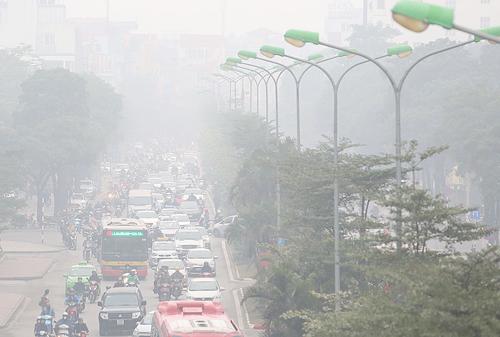 Hiện tượng sương mù về đêm và sáng sẽ tiếp tục diễn ra tại thủ đô Hà Nội đến hết tuần. Ảnh: Ngọc Thành.