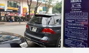 Người Hà Nội than 'choáng' với giá trông giữ xe mới