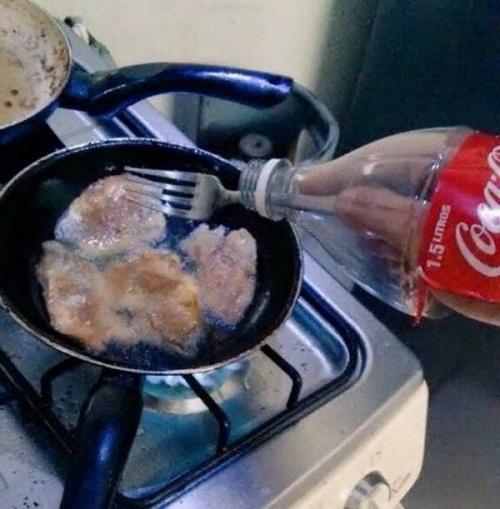Cách chống dầu bắn khi vào bếp.
