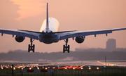 Máy bay Malaysia chở 224 khách hạ cánh khẩn vì rung lắc dữ dội