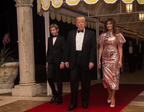 Gia đình Tổng thống Trump tại một bữa tiệc ởMar-a-Lago. Ảnh:AFP