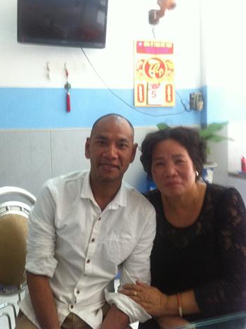 Vance và mẹ đẻ, bà Lê Thị Anh. Ảnh: FacebookAdvancing Forward