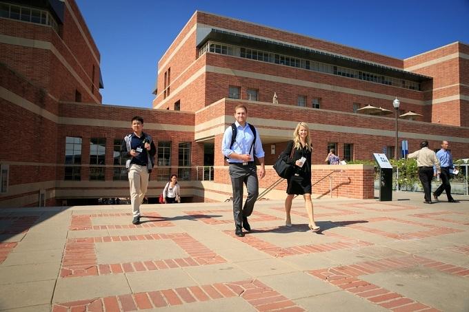 10 trường có chương trình thạc sĩ tài chính tốt nhất thế giới
