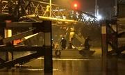 Cầu ở Sài Gòn sập do xe ben chở đá quá tải gấp 5 lần