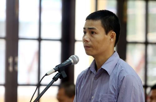 Bị cáo Nguyễn Văn Quang. Ảnh: Đắc Thành.