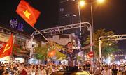 Người dân cả nước đổ ra đường mừng chiến thắng của đội tuyển U23
