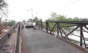 Cầu sắt ở Sài Gòn trước và sau khi sập