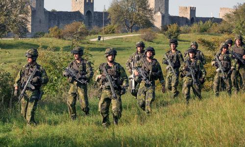 Binh sĩ Thụy Điển huấn luyện chuẩn bị kịch bản xung đột với Nga. Ảnh: Independent.