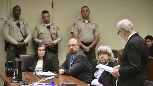 Giải mã tâm lý của vợ chồng Mỹ xiềng xích, tra tấn 13 con