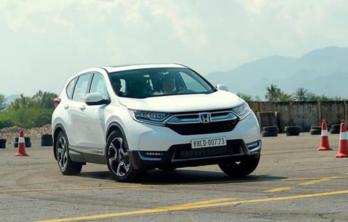 Honda CR-V 2018, một trong những mẫu xe hot nhưng khan hàng trên thị trường.