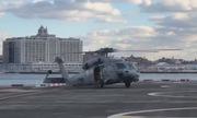 Trực thăng quân sự Mỹ 'sập sàn' vì bẻ cua ẩu