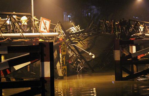 Cầu Long Kiển bị sập đêm 19/1. Ảnh: Duy Trần