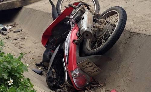 Tang vật chiếc xe máy mà Tùng lấy trộm.
