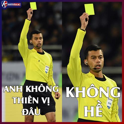 Một trọng tài không hề thiên vị khiến cộng đồng fan bóng đá Việt Nam phẫn nộ.