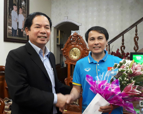 Cảm xúc vỡ tung ở quê nhà tuyển thủ U23 Nguyễn Quang Hải - 1
