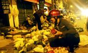 Chợ rau chỉ bán buổi đêm ở Sài Gòn