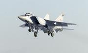 Tiêm kích MiG-31 Nga diễn tập diệt mục tiêu trên tầng bình lưu