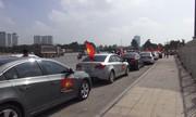 Đoàn xe cổ động U23 Việt Nam xuống phố trước giờ bóng lăn