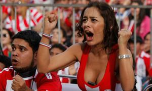 Những kiểu cổ vũ bóng đá 'độc nhất vô nhị' của CĐV thế giới
