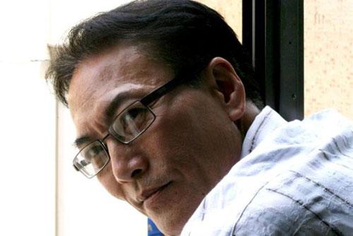 Luật sư Ho Le Dinh và vợ con. Ảnh: ABC.