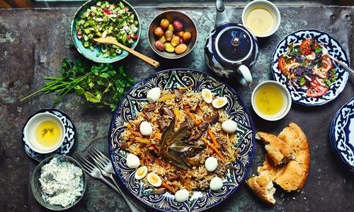 Plov, món ăn truyền thống của Uzbekistan. Ảnh: Guardian.