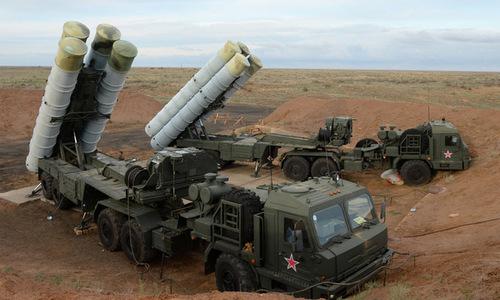 Một tổ hợp S-400 Triumf của Nga. Ảnh:RT.