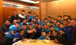 Tình đồng đội ấm áp của U23 Việt Nam