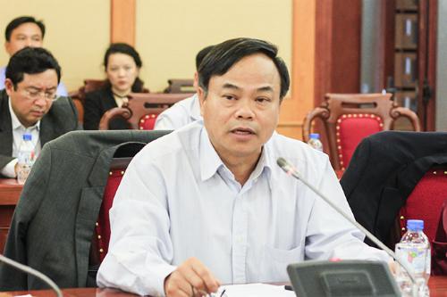 Ông Trần Văn Vinh lo ngại tình trạng buôn lậu, gian lận thương mại,pha dung môi vào xăng E5. Ảnh:Dương Tâm