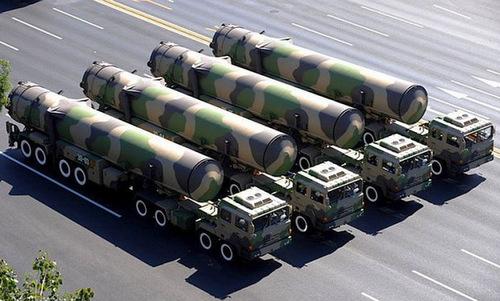 Xe chở và phóng tên lửa DF-41 của Trung Quốc. Ảnh:Sina.