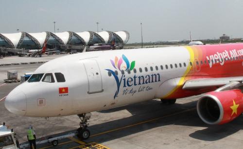 Tàu bay mang biểu tượng Du lịch Việt Nam.