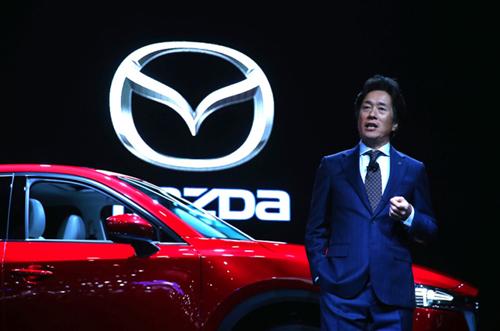 Ông Masahiro Moro, chủ tịch kiêm CEO Mazda Bắc Mỹ lên tiếng phủ nhận tin đồn sáp nhập với Toyota. Ảnh: The Detroit Bureau.