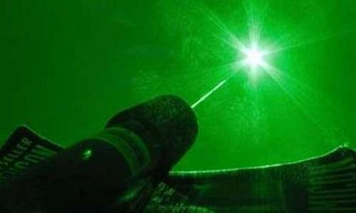 Máy laser SEL có công suất 100 PW. Ảnh minh họa: Daily Galaxy.