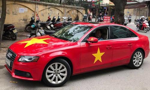 Người Việt đua nhau trang trí ôtô cổ vũ đội bóng U23