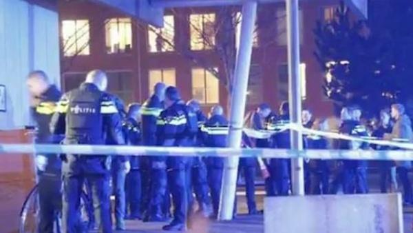 Cảnh sát tại hiện trường. Ảnh: Sunrise.
