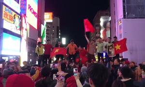 Du học sinh Nhật vẫn hô vang 'Việt Nam vô địch' sau trận đấu