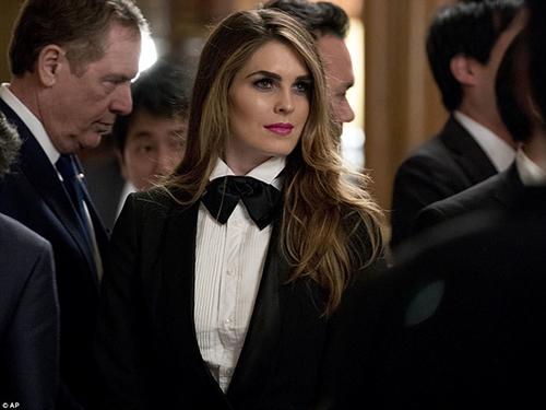 Hicks tại quốc yến thết đãi ông Trump ở Tokyo, Nhật Bản, hôm 6/11/2017. Ảnh: AP