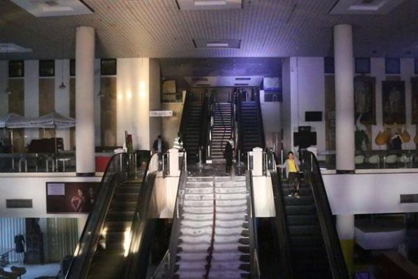Sân bay đóng cửa do hoả hoạn. Ảnh: BangkokPost.