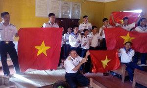 Bộ đội biên phòng, chiến sĩ Trường Sa hòa nhịp đập với tuyển U23