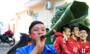 Người dân miền Tây làm kèn lá dừa cổ vũ U23 Việt Nam