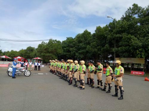 Huấn luyện CSGTdẫn đoàn phục vụ hội nghị APEC.