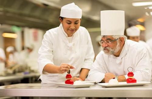 Tại New Zealand, sinh viên theo học nghề vẫn có thể lấy bằng cử nhân, thạc sĩ và tiến sĩ.