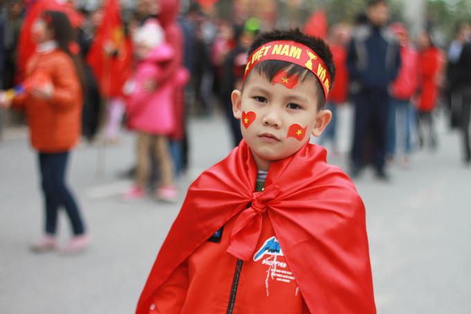 Muôn vẻ chào đón U23 Việt Nam trên đường phố Hà Nội