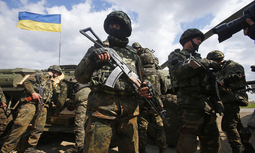Các biến thể AK sẽ dẫn bị loại khỏi biên chế quân đội Ukraine. Ảnh: Pinterest.