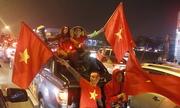 Hàng nghìn người dân Nghệ An đón cầu thủ U23 Việt Nam về quê