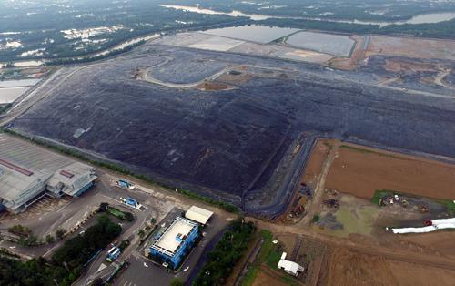 Bãi rác Đa Phước là nơi chôn lấp rác lớn nhất hiện nay tại TP HCM. Ảnh: Hữu Nguyên