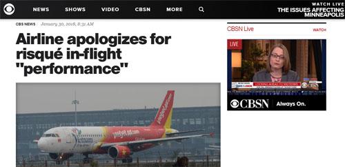Hãng truyền thông MỹCBSgiật hàng tít Hãng hàng không xin lỗi vì màn biểu diễn thô tục. Ảnh chụp màn hình.