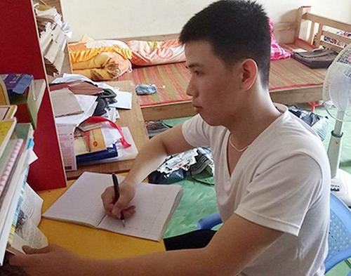Khi bị bắt oan, anh Nhựt đang học lớp 10 - anh cho biết mình sẽ tiếp tục theo học. Ảnh: Sơn Lâm.
