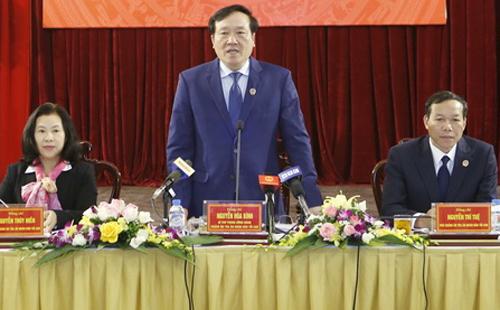 Chánh án Nguyễn Hòa Bình trao đổi với báo giới trong ngày 31/1. Ảnh: VietnamPlus